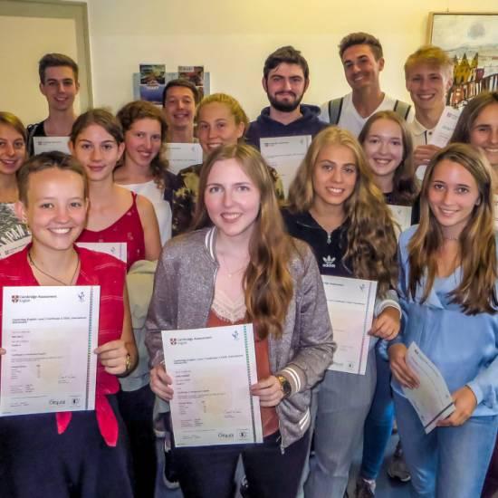 """20 Schülerinnen und Schüler absolvieren """"Cambridge English: Advanced""""-Prüfung"""